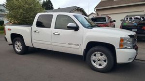 2009 chevy silverado 4wd Z71 for Sale in Troutdale, OR