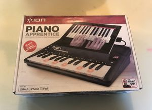 ION Teach Audio PIANO APPRENTICE 25-note Lighted Keyboard for iPad, iPod, iPhone for Sale in Overland Park, KS
