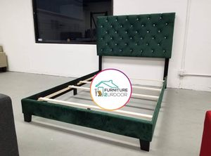 New Green Velvet Glam Queen Size Bed Frame - Financing Available for Sale in Stanton, CA