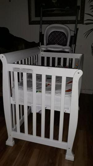 Mini baby crib for Sale in Huntington Park, CA
