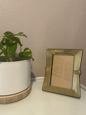 Gold Vintage Style Photo Frame 🖼 for Sale in SeaTac, WA