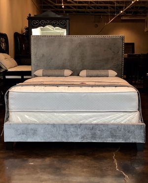 King gray velvet studded bed with mattress and free delivery for Sale in Austin, TX