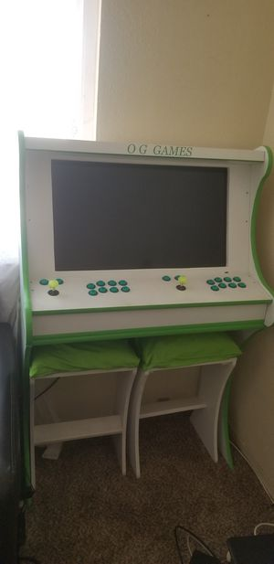 Custom Arcade w/ thousands of games for Sale in Phillips Ranch, CA