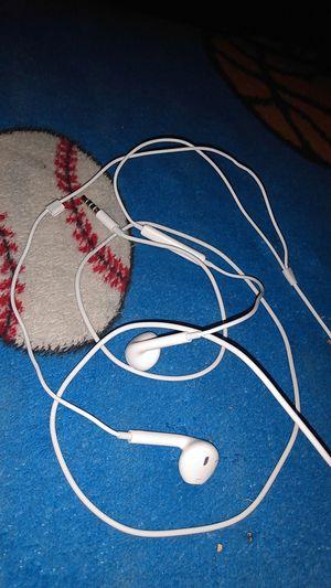 Original apple earphones earbuds for Sale in Bell Gardens, CA