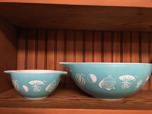 Pyrex chip and dip set for Sale in Puyallup, WA