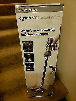 Dyson V11 Torque Drive for Sale in Chardon, OH