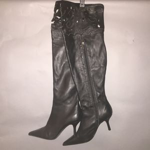 Knee high black boots. for Sale in Orlando, FL