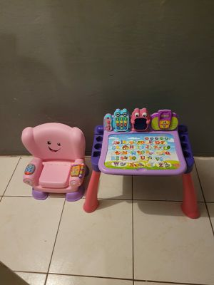 VTECH ACTIVITY TABLE AND BABY CHAIR for Sale in Miami, FL