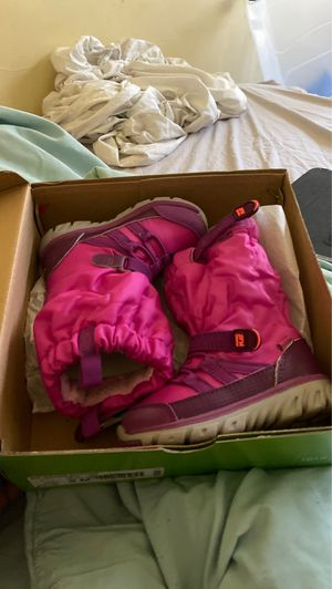 Stride rite pink boots toddler size 6 for Sale in Renton, WA
