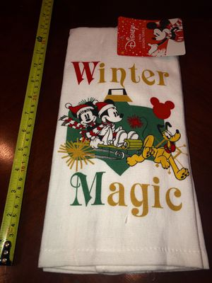 2 New Disney Mickey & Minnie Christmas Hand Towels for Sale in San Jacinto, CA