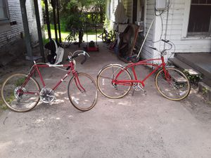 Old school 10speed and the other old school schwinn for Sale in LA, US