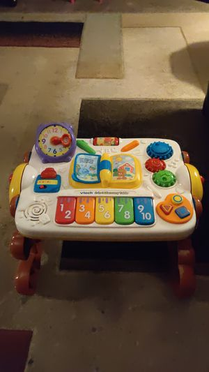 VTech 2 in 1 Discovery table for Sale in Columbus, OH