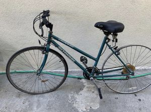 Schwinn bike for Sale in Huntington Park, CA