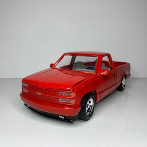 NEW Large 1992 Red GMC Sierra GT 1500 454SS Pickup Truck Car Toy Diecast Metal Model Scale 1/24 1:24 124 Vintage 1990s Chevrolet Classic General Moto for Sale in Trenton, NJ