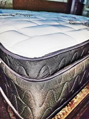 """EUROTOP 14"""" KING MORE BOX SPRING.ALL SIZES for Sale in North Miami Beach, FL"""