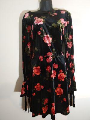 Size L large floral party dress soft velour black roses for Sale in Takoma Park, MD