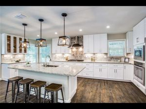 Kitchen Cabinets for Sale in Cedar Hill, TX