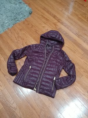Michael kors puffer jacket for Sale in Lake in the Hills, IL