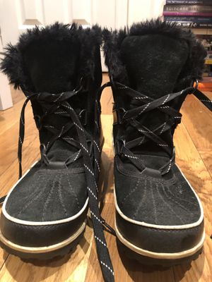 Sorel boots size 9 for Sale in New York, NY