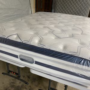 Queen Mattress Only 🟪 BEAUTYREST RECHARGE World Class Luxury Firm Pillotop 16 Inches 🟪 Like New $100 Extra For Box Springs for Sale in Kent, WA