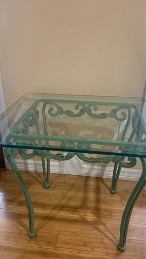 Glass end table for Sale in Melbourne, FL