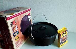 Cast Iron Dutch Oven Pot / camping / hiking / backpacking / tent / outdoors / tailgate / cooking / for Sale in Fresno, CA