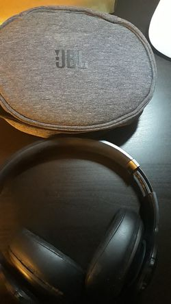 JBL V700NXT Everest Elite 700 Around-Ear Bluetooth Active Noise Cancelling HEADPHONES for Sale in Falls Church,  VA