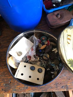 Tin of old buttons vintage for Sale in North Ridgeville, OH