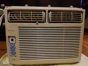 Fridgidaire window AC, 12,000 BTU for Sale in Maywood, IL