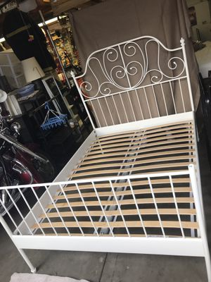 Full Size Bed Frame - White Metal. W/ free mattress for Sale in Chicago, IL