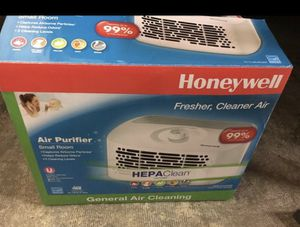 Table top air purifier for Sale in Mission Viejo, CA