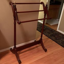 Beautiful Blanket Rack for Sale in Beaverton,  OR