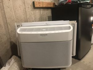 Frigidaire AC OBO for Sale in Beaumont, TX