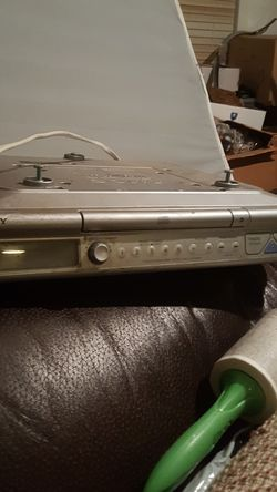 SONY Cd player...for kitchen. Goes under the countet for Sale in Ontario,  CA