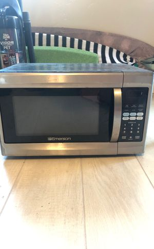 Emerson Microwave | 1.3 cubic-foot 1000-watt for Sale in San Diego, CA