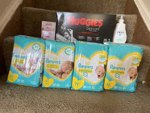 Baby diaper bundle for Sale in Springfield, MI