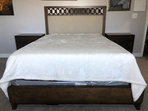 Queen bed frame with 2 nightstands and Chest for Sale in Chula Vista, CA