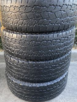 Set of 4 275/65/20 Toyo for Sale in Bakersfield,  CA