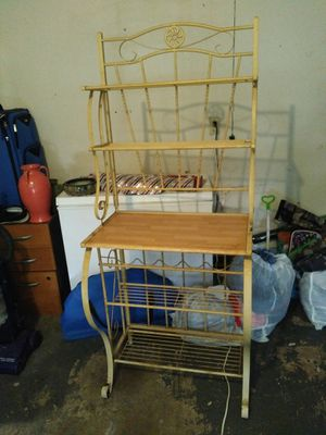 Wine rack/bakers rack for Sale in San Antonio, TX