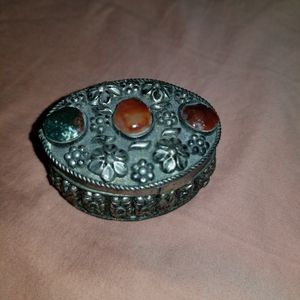 Small silver vintage jewerly box for Sale in Miami, FL