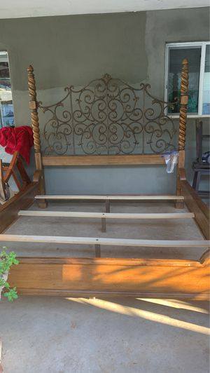 Headboard and footboard bed king Size for Sale in Mesa, AZ