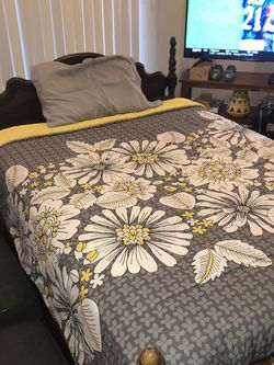 Antique Full Size Bed W/box Spring And Mattress. for Sale in Carrollton,  TX