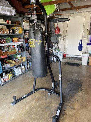 Everlast boxing stand heavy bag speed bag for Sale in Orange, CA