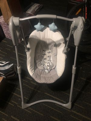 Free Graco Infant Swing (battery operated) for Sale in Hayward, CA