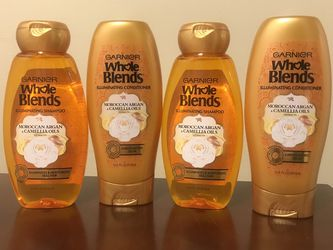 WHOLE BLENDS SHAMPOO AND CONDITIONER for Sale in Baldwin Park,  CA