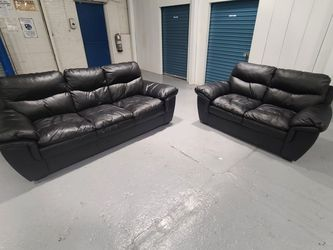 Black Leather Couch & Loveseat for Sale in Kearny,  NJ