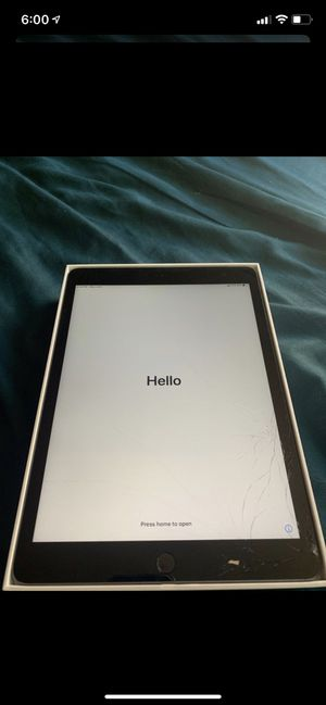 Apple iPad (32GB) for Sale in Los Angeles, CA