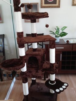 Five And A Half Foot Tall Cat Tree Brand New In The Box for Sale in Tampa,  FL
