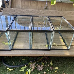 Fish tanks for Sale in Rancho Cordova, CA