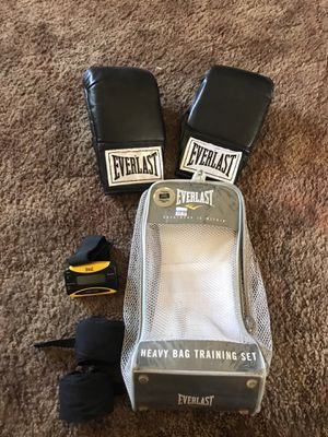 Boxing glove set for Sale in Gridley, CA